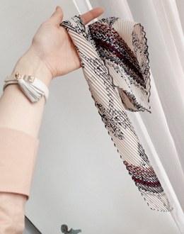 Petit wrinkle scarf