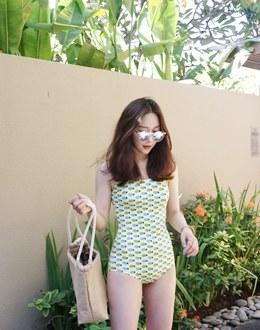 Fine yellow bikini