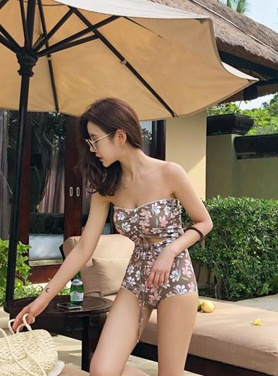 Wendy Flower bikini