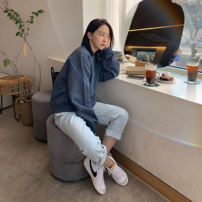 Low nji Light blue pants